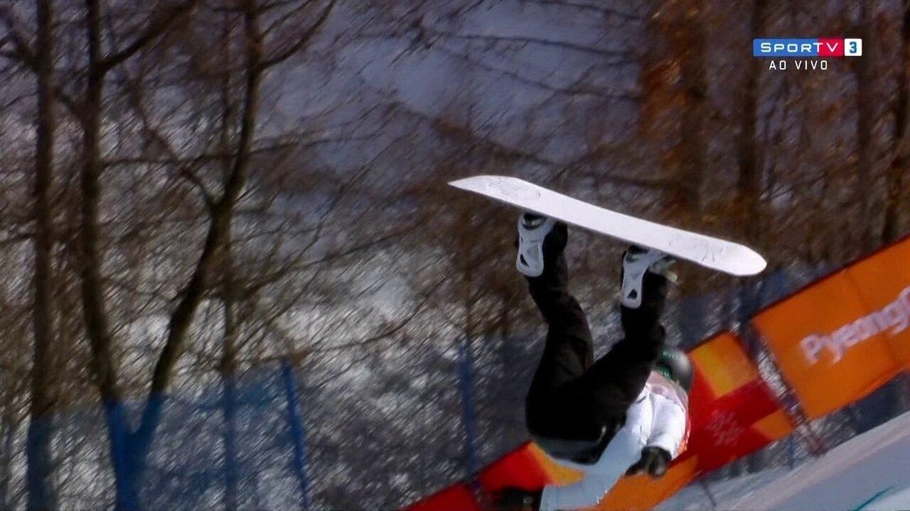 Klaudia Medlova sofre queda feia durante competição de snowboard