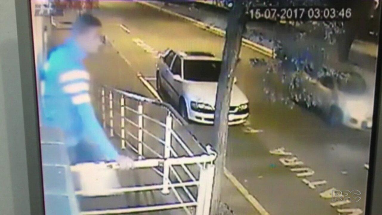 Homem foi morto por policial de plantão após invadir delegacia de Londrina