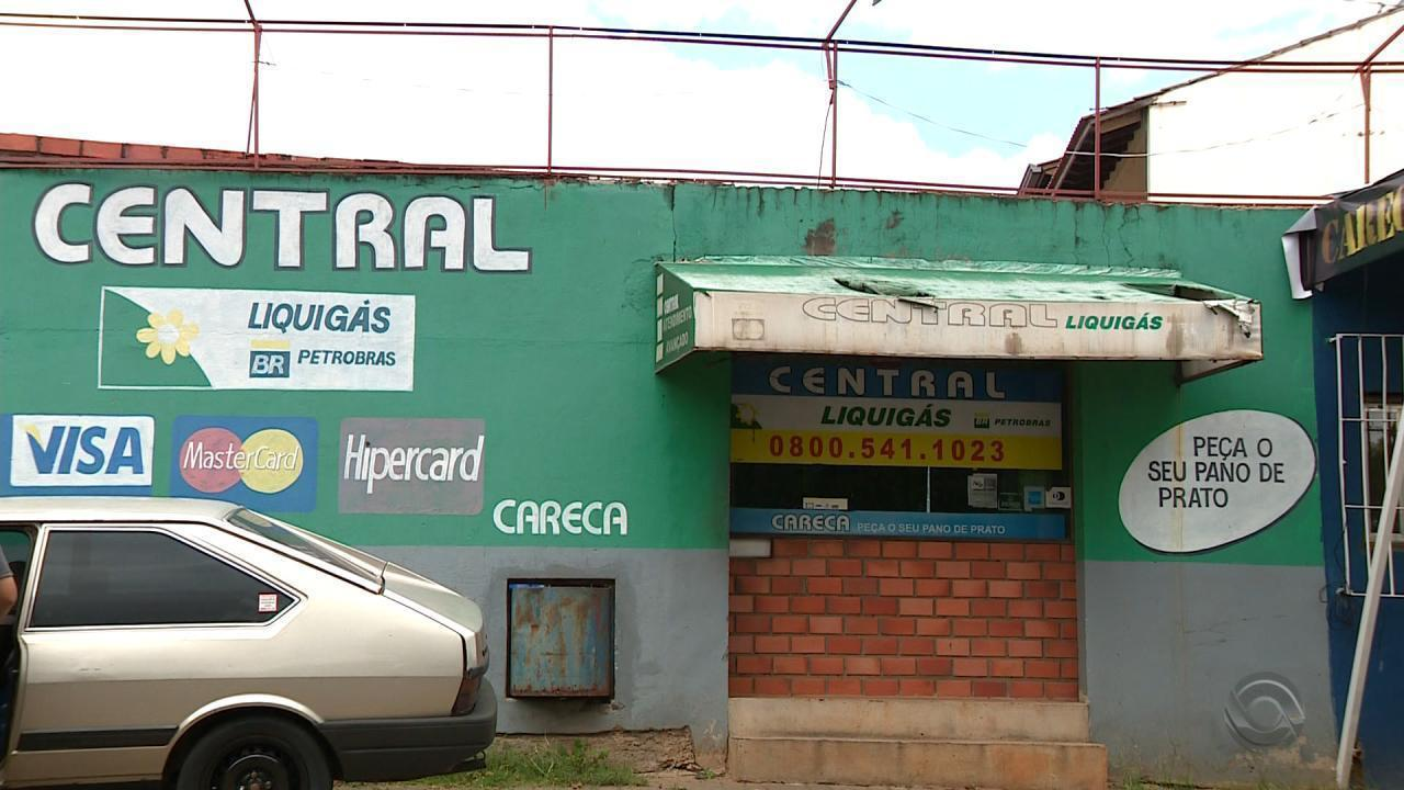Criminosos assaltam posto de gás em Cachoeirinha e dono reage, matando um dos suspeitos