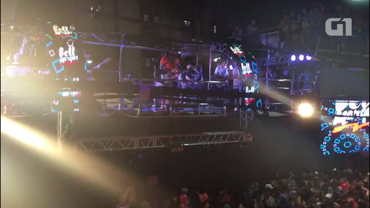 Bell Marques canta 'Foi Por Esse Amor' no circuito Barra-Ondina em 2018