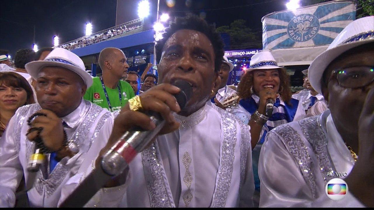 Samba da Beija-flor faz crítica à grande desigualdade social no Brasil