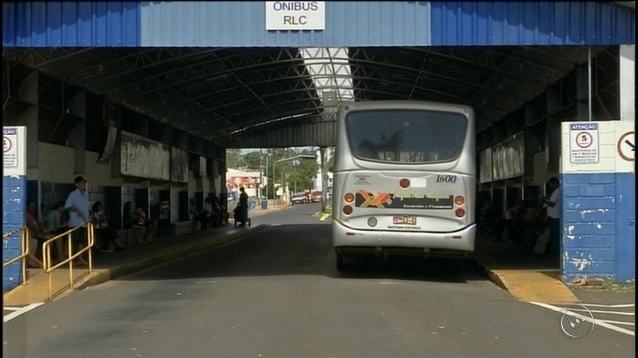 Imprudência de motoristas de transporte coletivo assusta moradores de Avaré