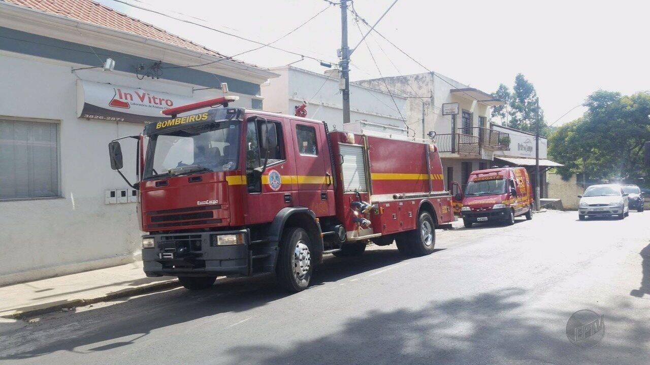 Mãe e 2 filhos que morreram em incêndio foram asfixiados pela fumaça, dizem bombeiros