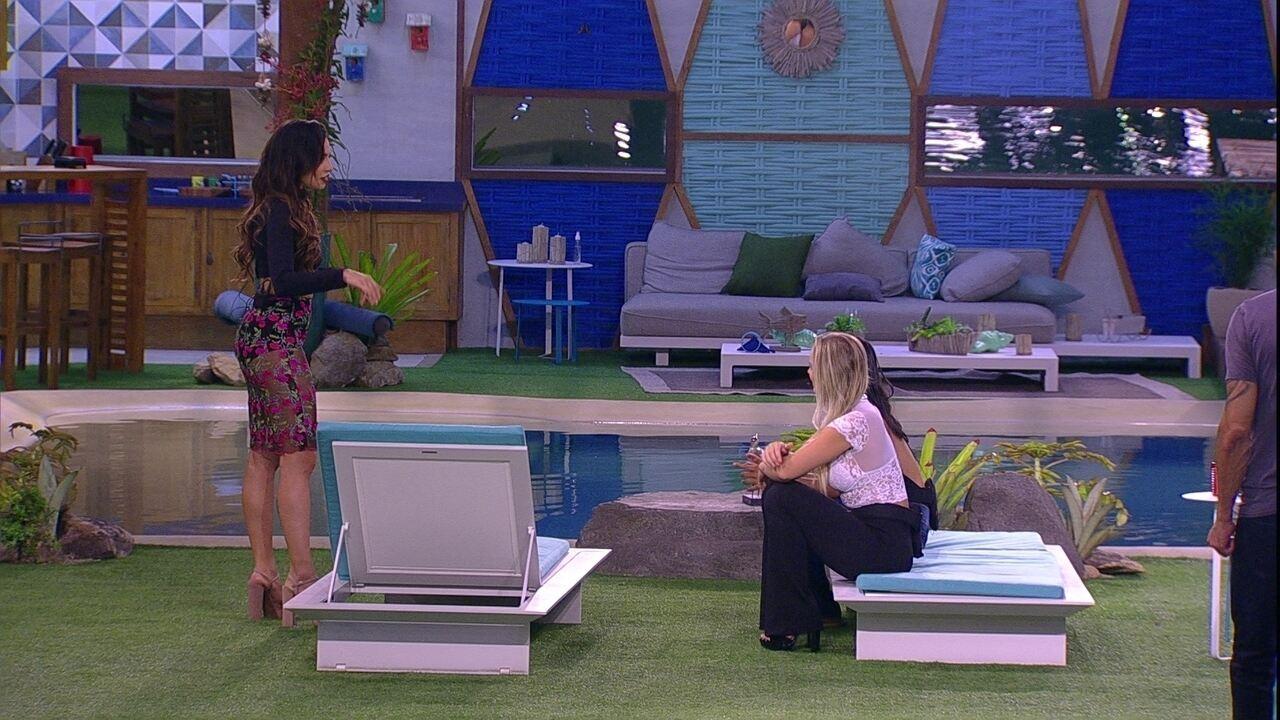 Paula comenta com Jéssica: 'Sempre uma de nós está no Paredão'