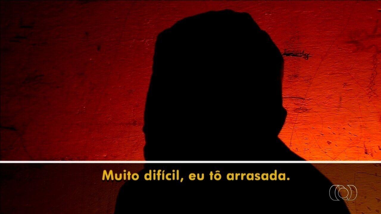 Mãe que filmou companheiro abusando da enteada de 12 anos cobra punição, em Goiás