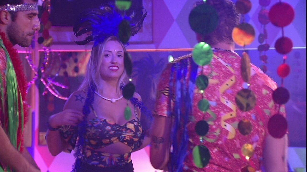Jéssica canta animada na Festa Samba: 'A liderança é nossa'