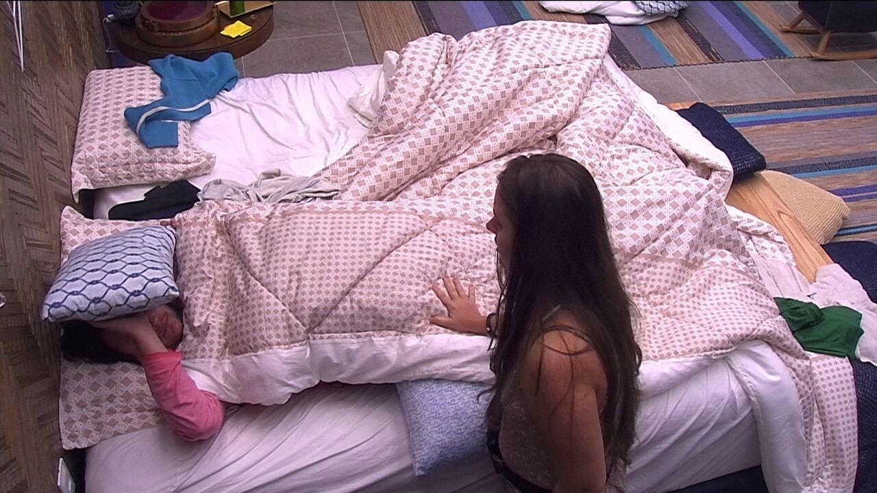 Patrícia promete para Diego: 'A gente volta para dormir mais'
