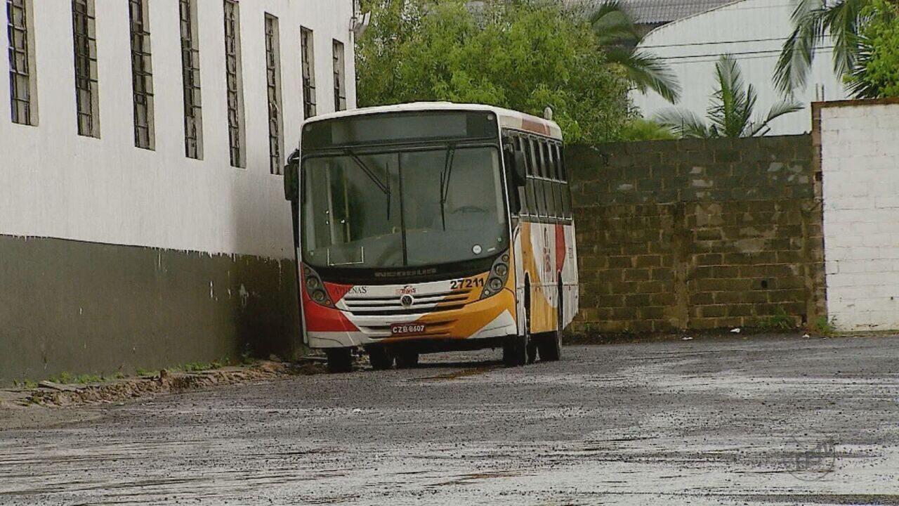 Ex-funcionários da Athenas Paulista não aceitam empréstimo de ônibus e pedem leilão