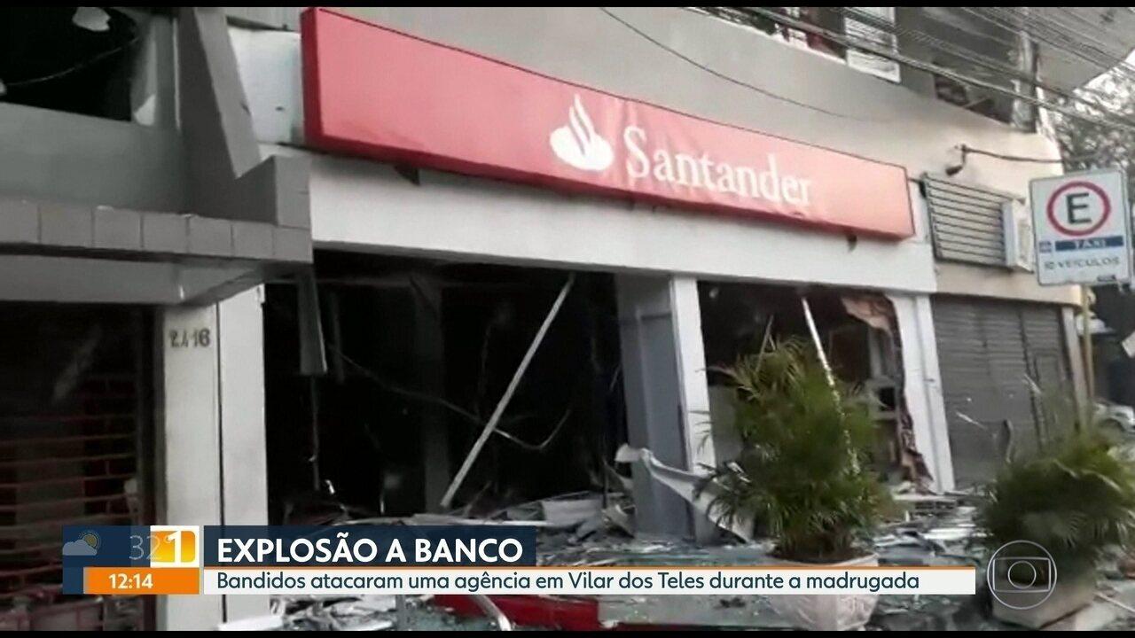 Bandidos explodem banco em São João de Meriti