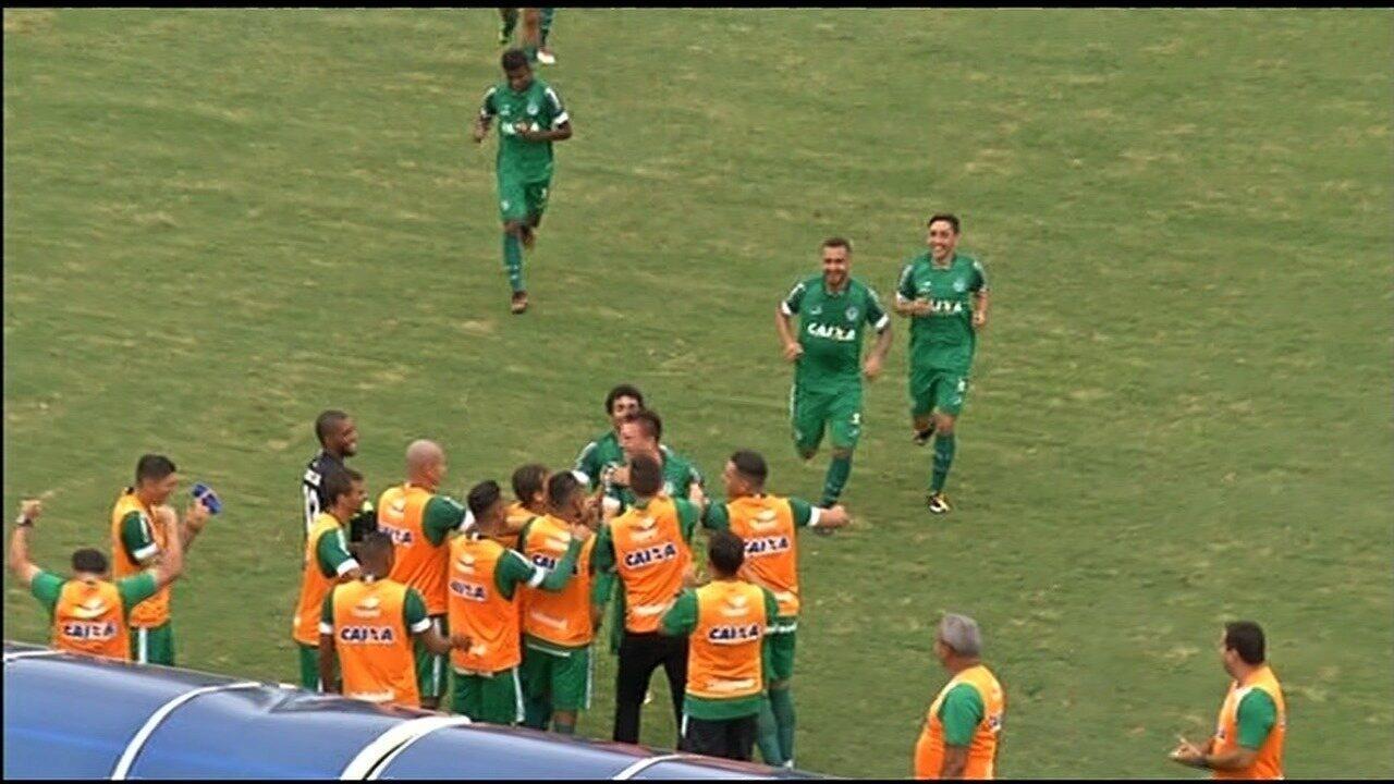 Goiás vence o Grêmio Anápolis por 3 a 0 no Jonas Duarte