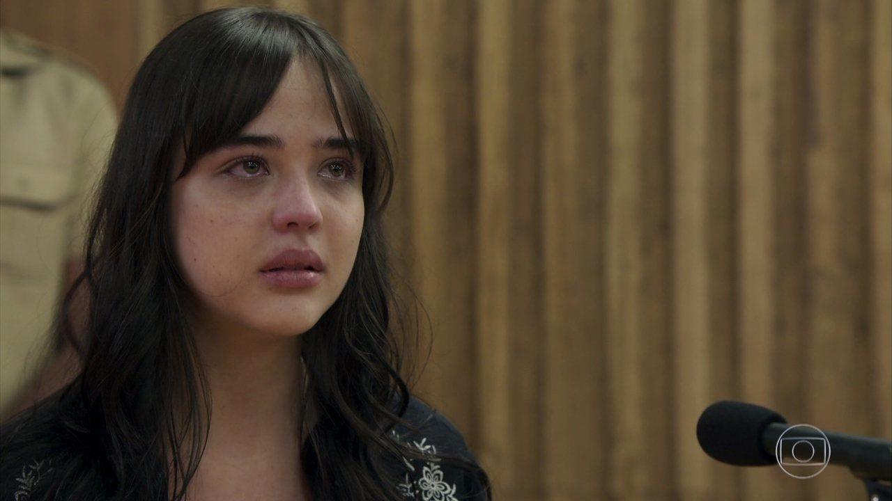 Laura se emociona durante seu depoimento