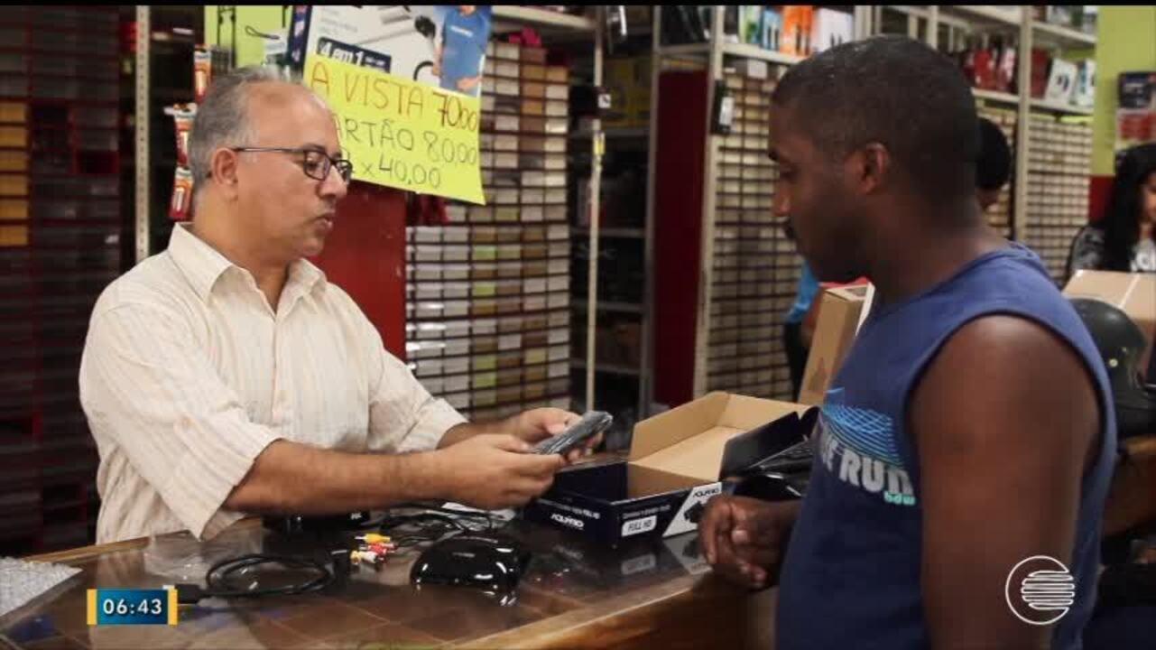 Procura por kits de conversor digital para TV cresce, e preço cai nas lojas