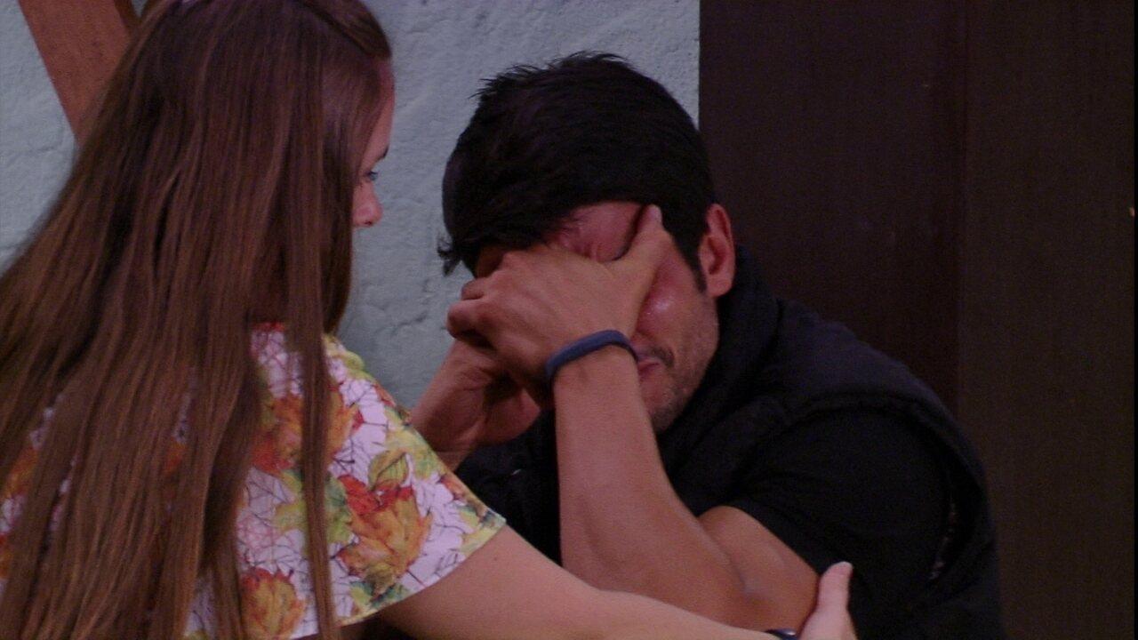 Lucas chora muito e fala sobre Nayara: 'Ela saiu por minha causa'