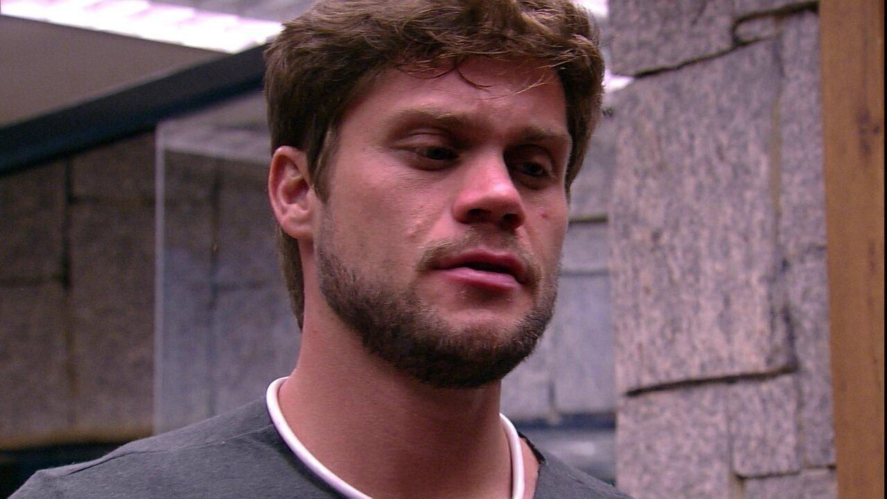 Breno relata a Lucas papo com Gleici: 'Foi bacana'