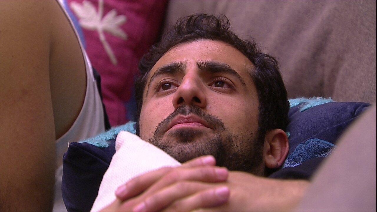 """Kaysar diz que gosta do toque de despertar: """"Sinal que tu tá vivo'"""
