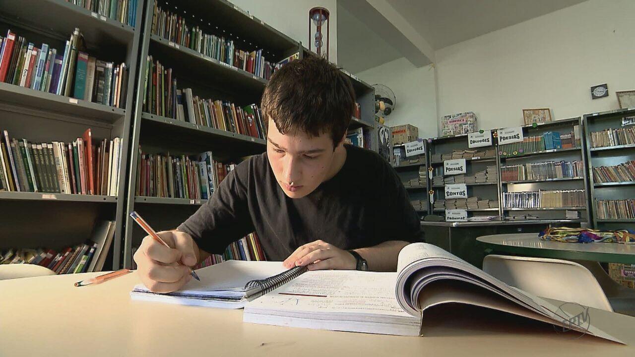 Estudante de Santa Rita do Passa Quatro passa em cinco universidades concorridas do país