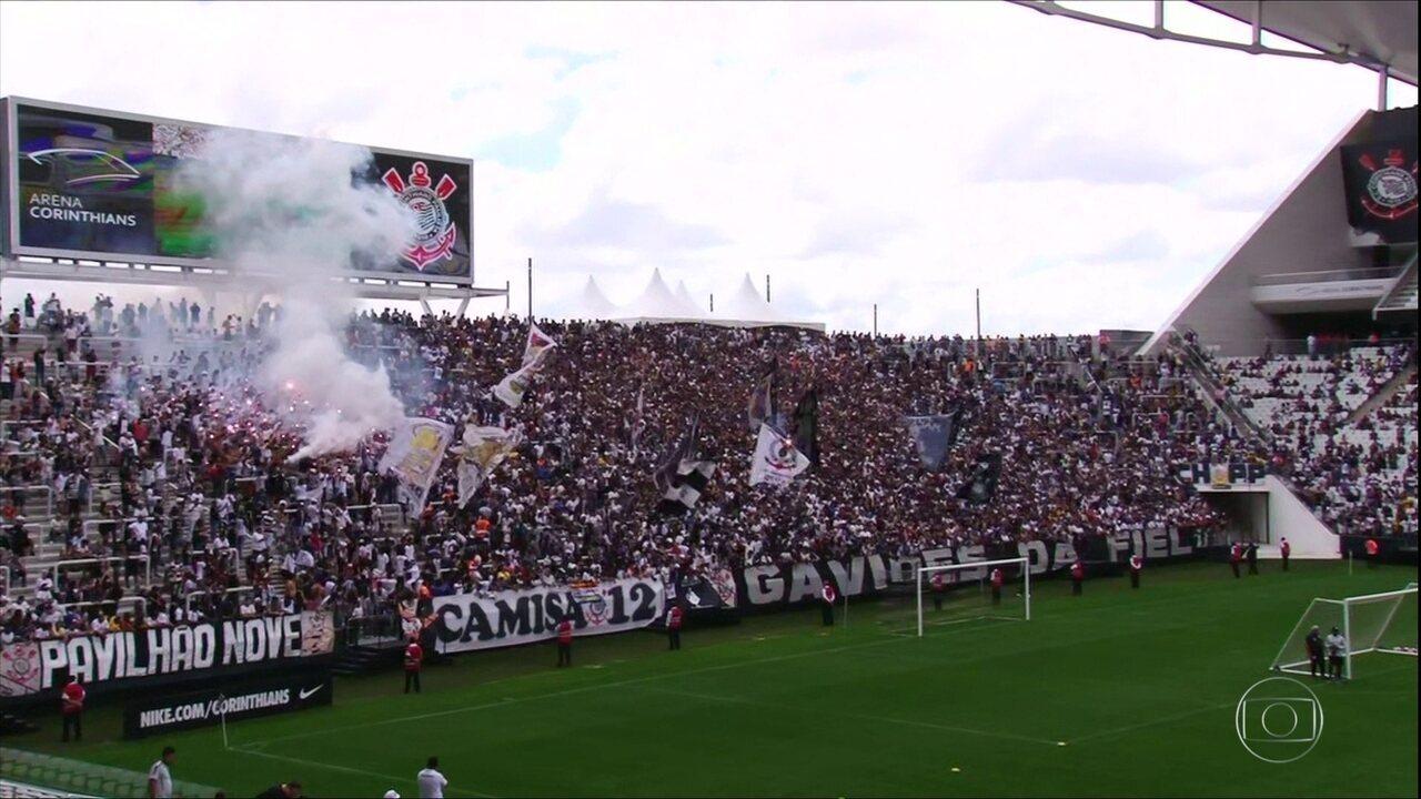 8801c62353 Corinthians treina com apoio de 12 mil torcedores antes de Dérbi ...