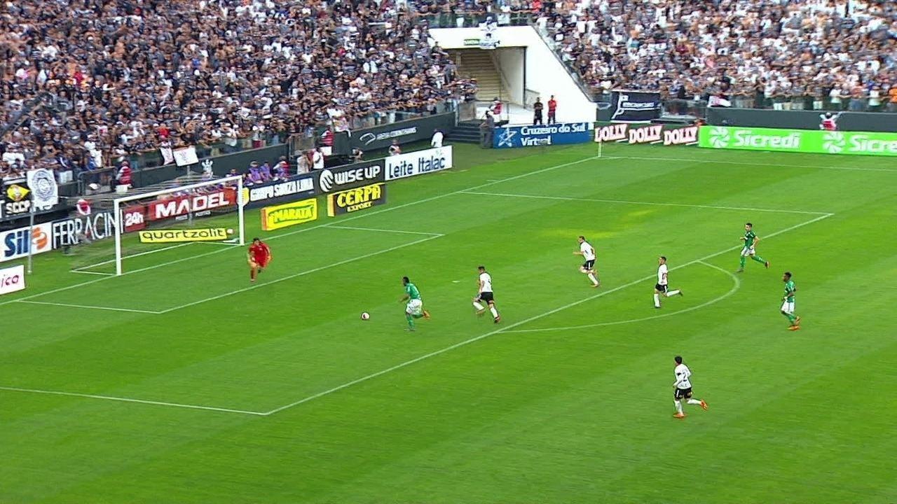 Palmeiras responde! Borja sai na cara do gol e Cássio salva, aos 19' do 1º tempo