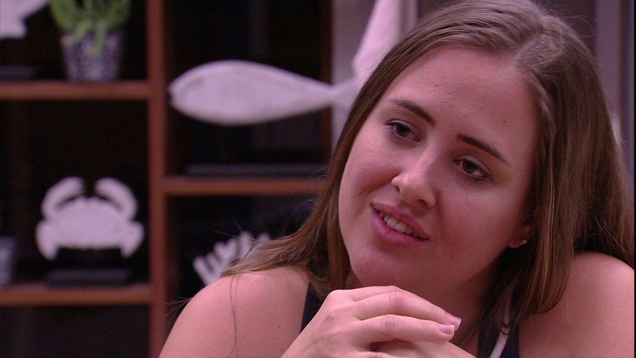 Patrícia canta na cozinha: 'Tudo se transformou, agora Kaysar chegou'