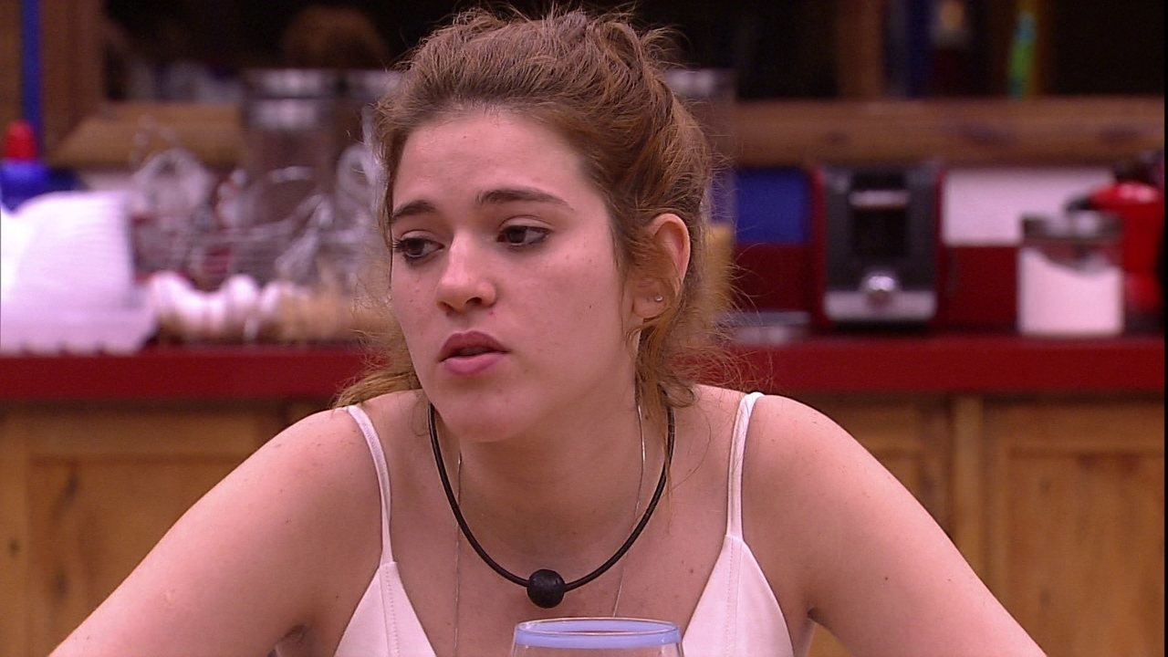 Ana Clara reclama de Ayrton: 'É muito estressante'