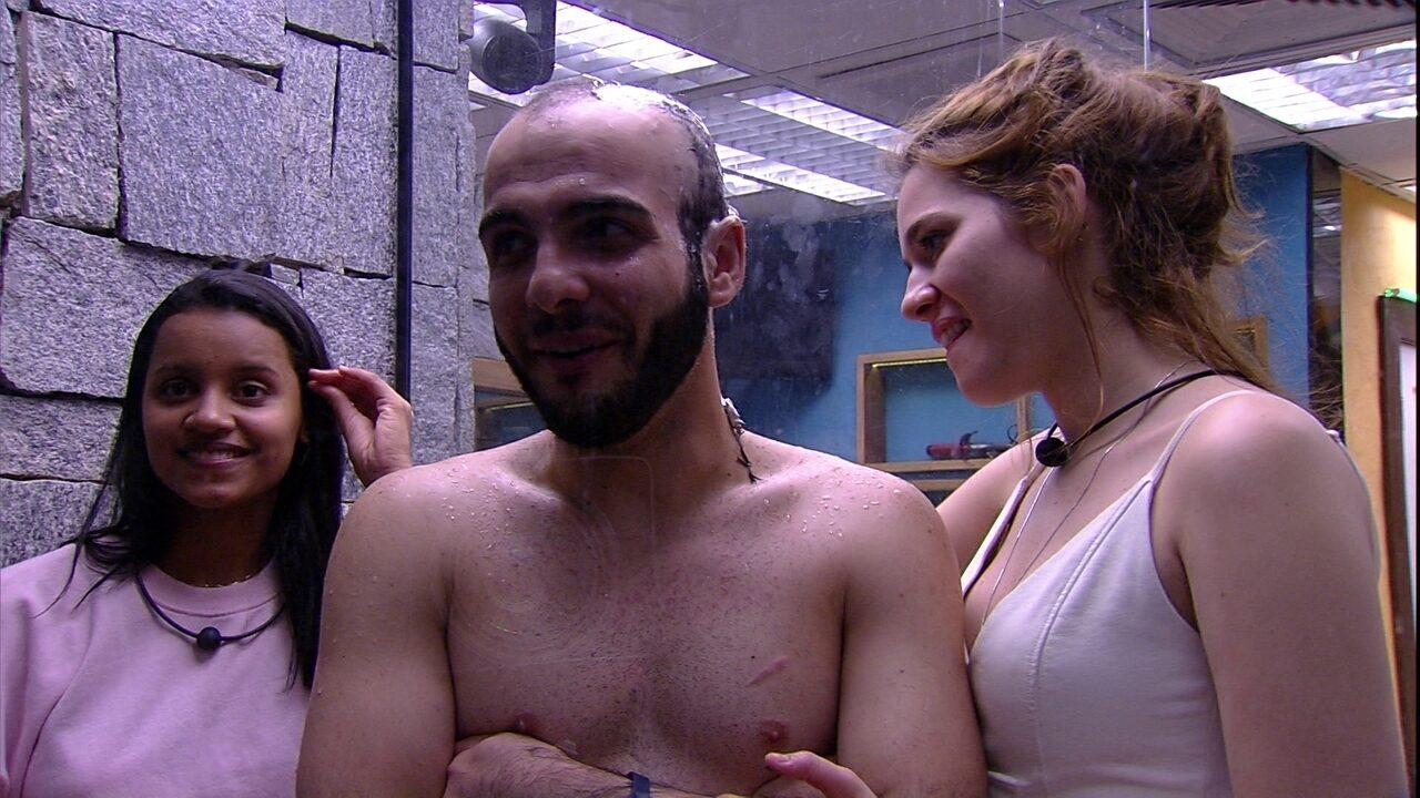 Ana Clara promete fazer festa todo dia caso Mahmoud e Gleici peguem a liderança