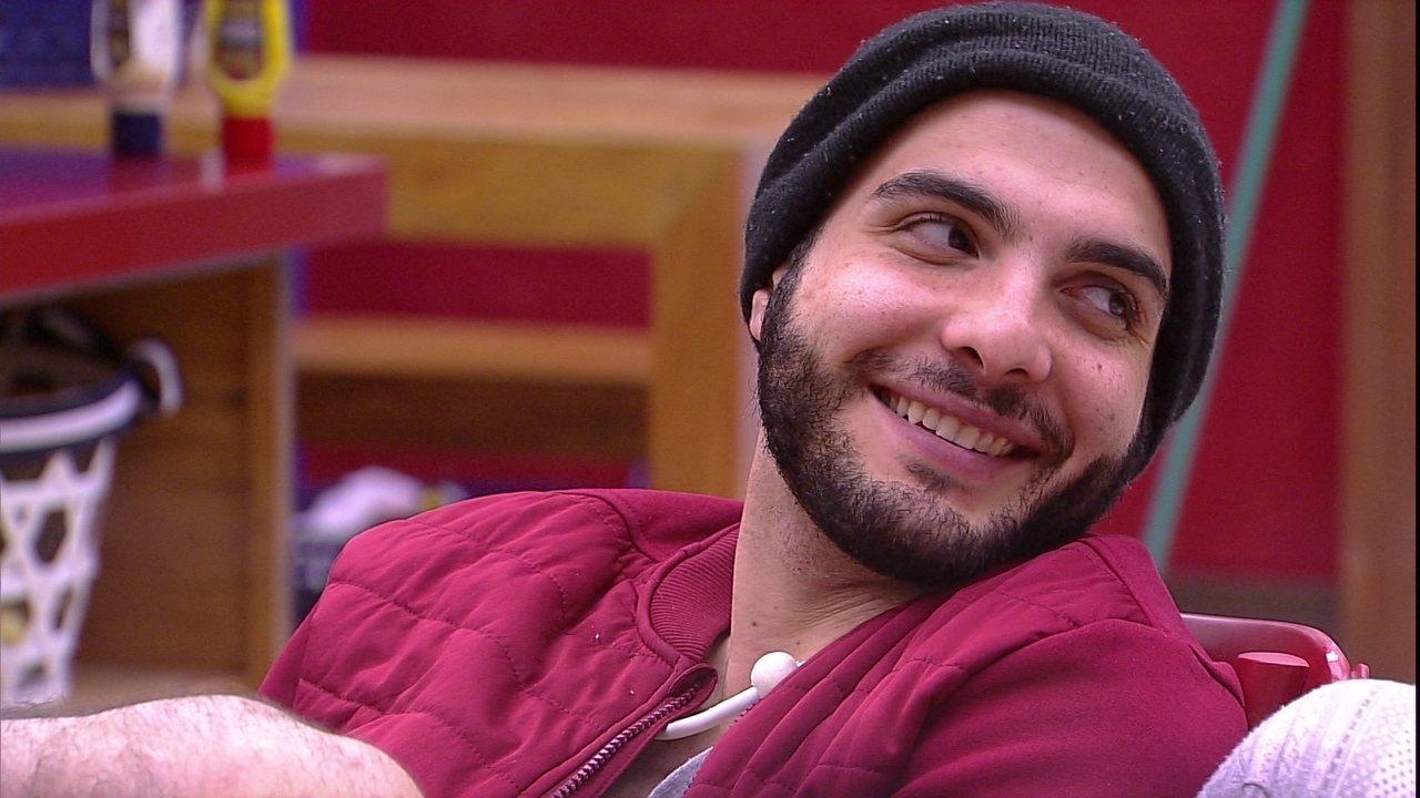Mahmoud sobre falta de brigas na casa: 'É porque eu quis paz. Estou de férias'