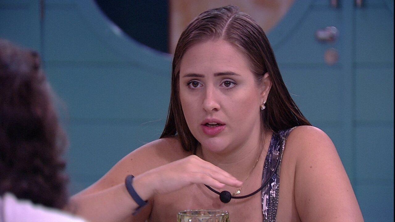 Patrícia defende Kaysar e mostra que está de saco cheio de Viegas