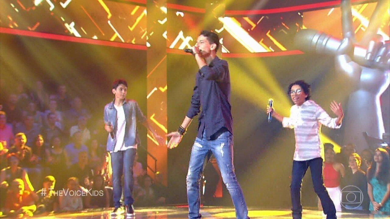 Arthur Rodrigues , Felipe Machado e Guilherme Porto cantam 'Pro Dia Nascer Feliz'