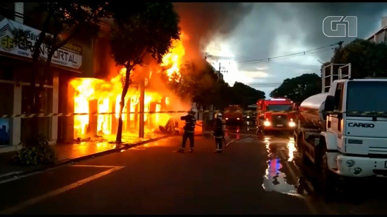 Loja de móveis é destruída por incêndio em Marialva