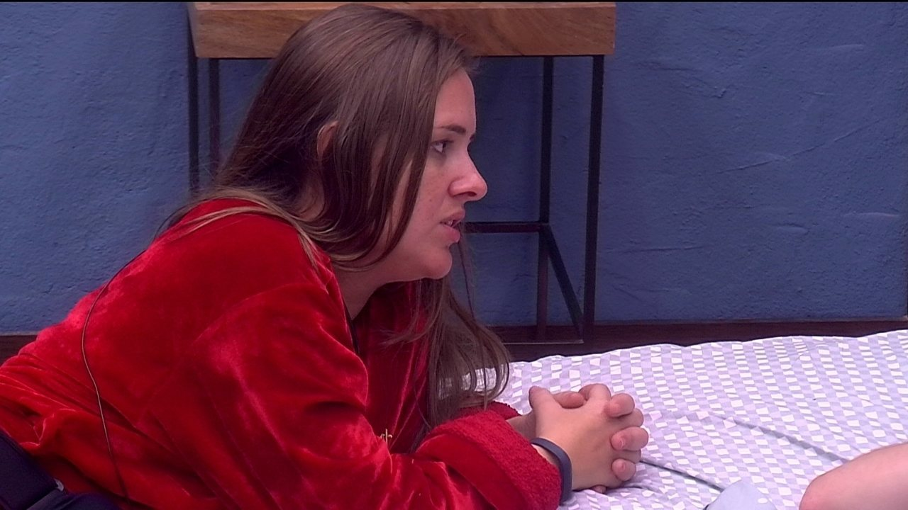 Patrícia comenta com Mahmoud e Ana Clara que Diego gosta deles