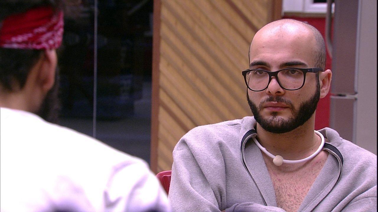 Mahmoud afirma: 'Se eu sair, vou como a trouxiane que poderia evitar o Paredão não evitou'
