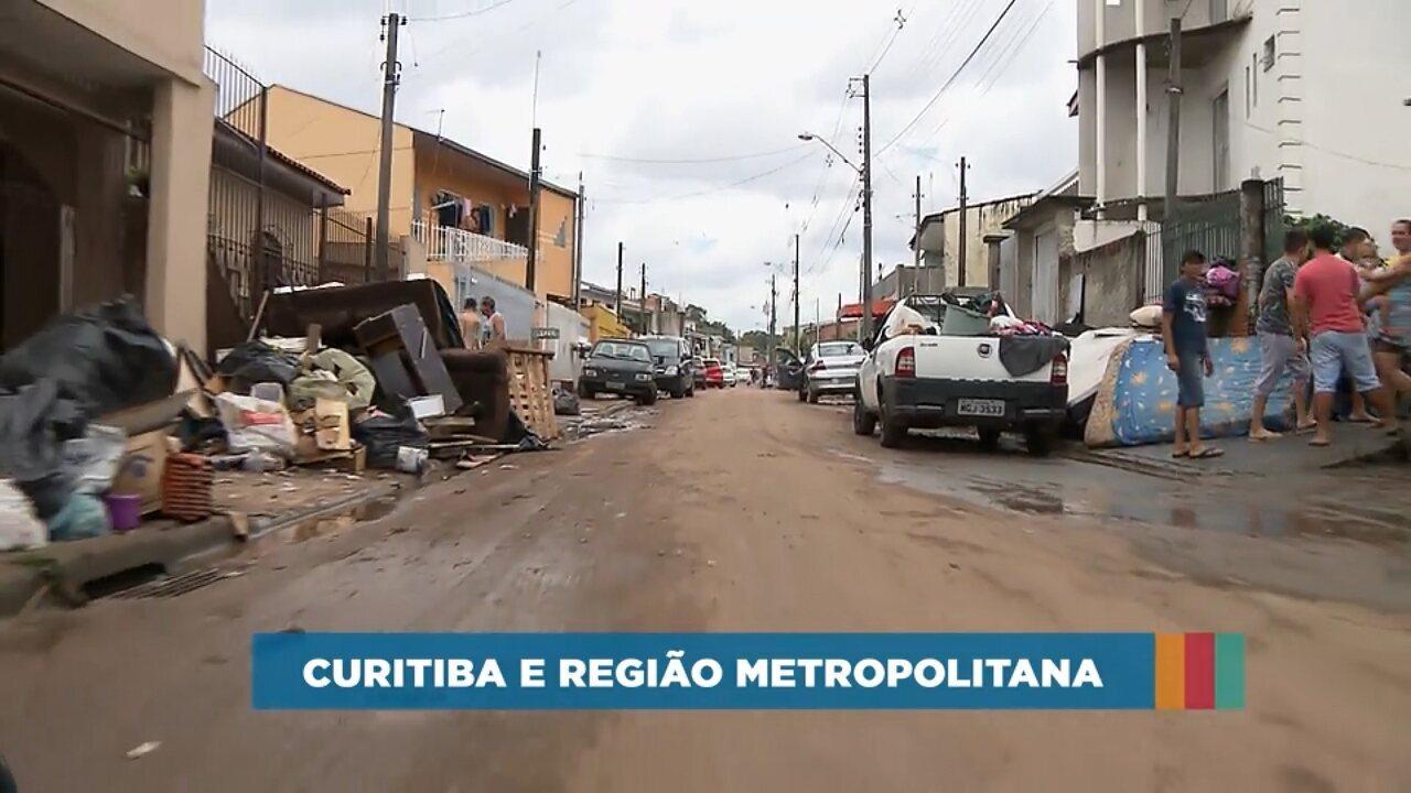 Famílias atingidas pelas chuvas em Curitiba e Região Metropolitana precisam de ajuda; veja