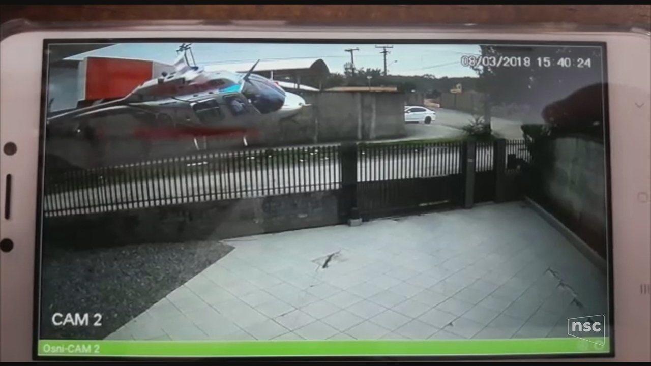 Vídeo mostra momento da queda de helicóptero em Joinville