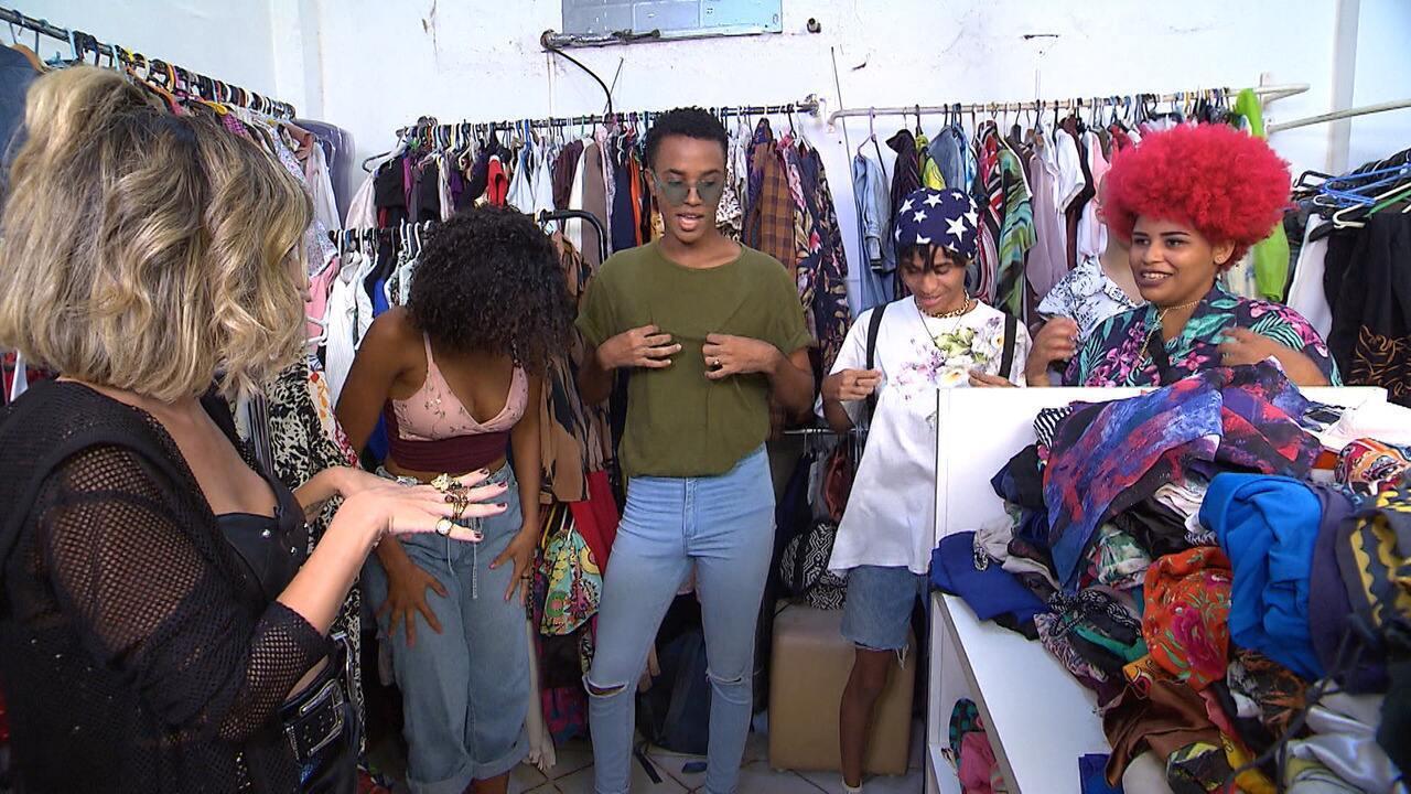 Paula Magalhães faz garimpo em brechó com peças de R$ 5