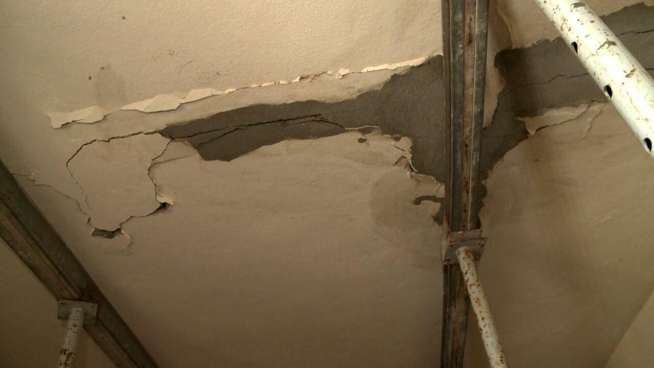 Após visita de geólogo, Defesa Civil recomenda desocupação de prédios no Pinheiro