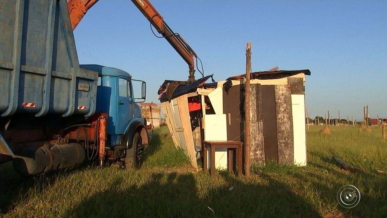 Reintegração de posse retira mais de 200 famílias de área irregular em Sorocaba