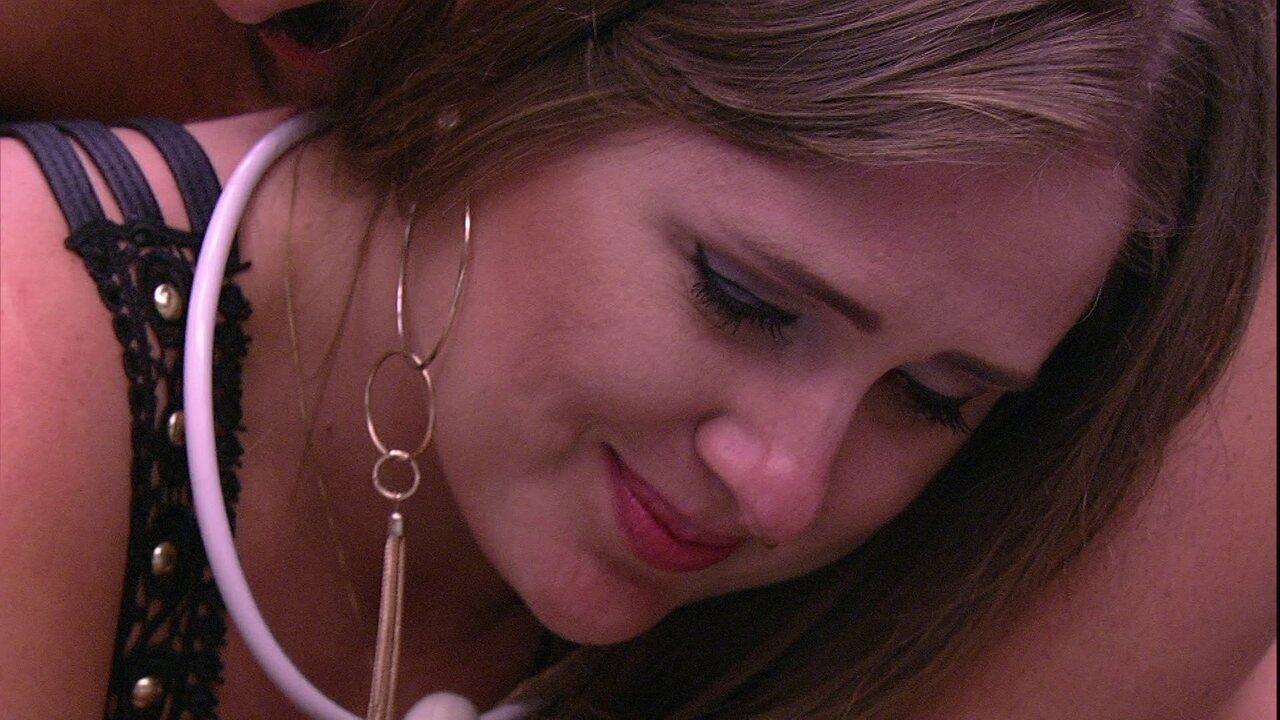Patrícia chora e Kaysar consola sister: 'Estou aqui com você'