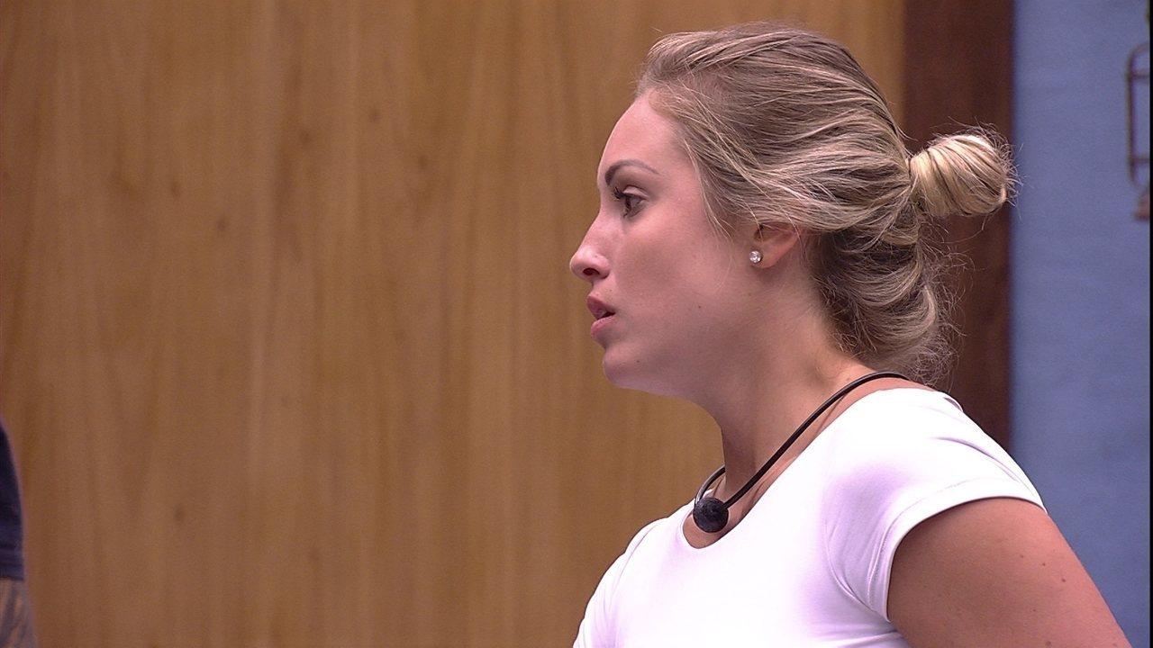 Jéssica comenta desentendimento entre Caruso e Ana Clara: 'Botou ele no chinelo'