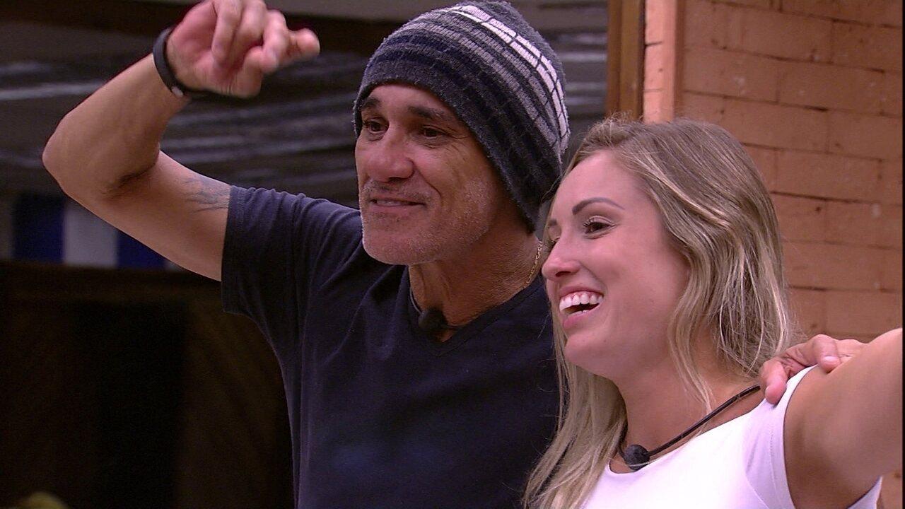 Jéssica e Ayrton soltam a voz com sucesso de Roupa Nova