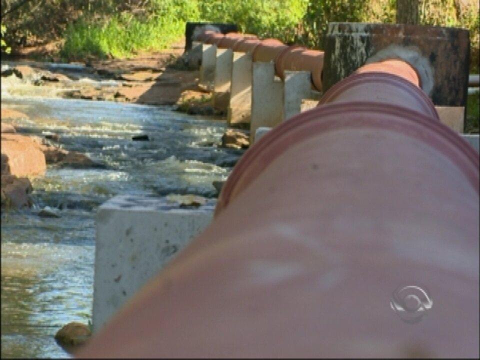 Plano de saneamento e novas redes de esgoto devem ajudar a diminuir a poluição dos rios