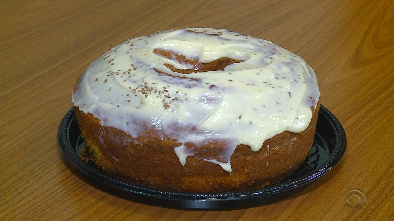Receita do Campo: aprenda a fazer um bolo de milho com erva doce