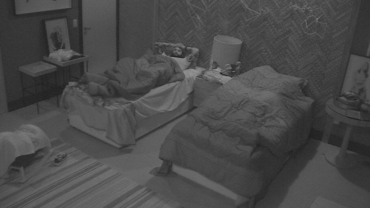 Ana Clara e Gleici deitam na mesma cama do Bangalô do Líder