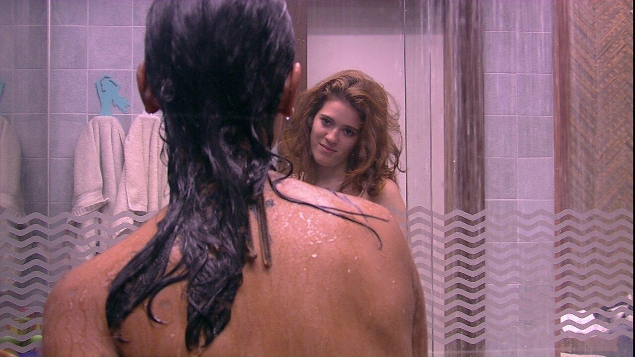 Ana Clara brinca com Gleici: 'Se eu fosse você, eu me indicaria para o Paredão'