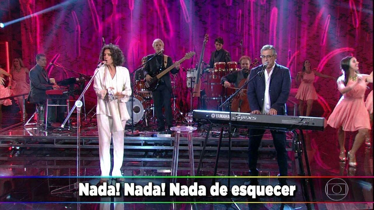 Simone e Ivan Lins cantam 'Desesperar Jamais'