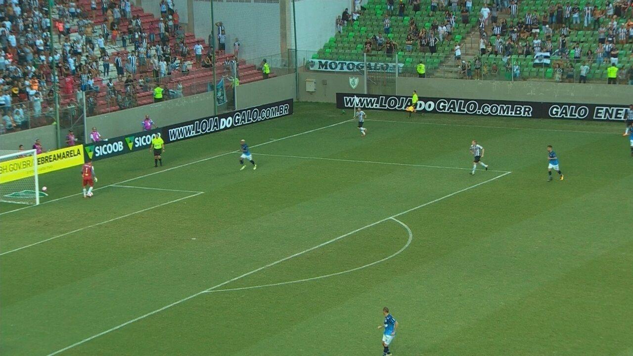 De Victor para Gabriel: Atlético-MG tenta sair jogando sem dar chutão