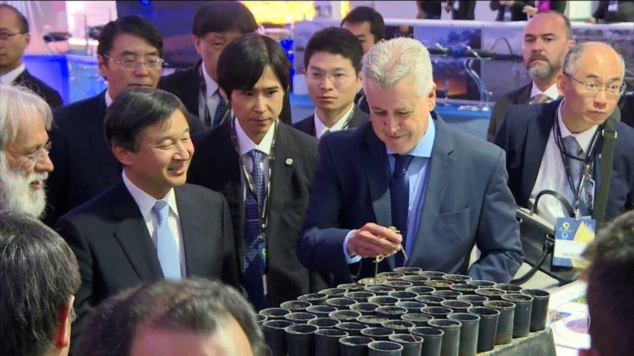 Príncipe-herdeiro do Japão visita o Fórum Mundial da Água