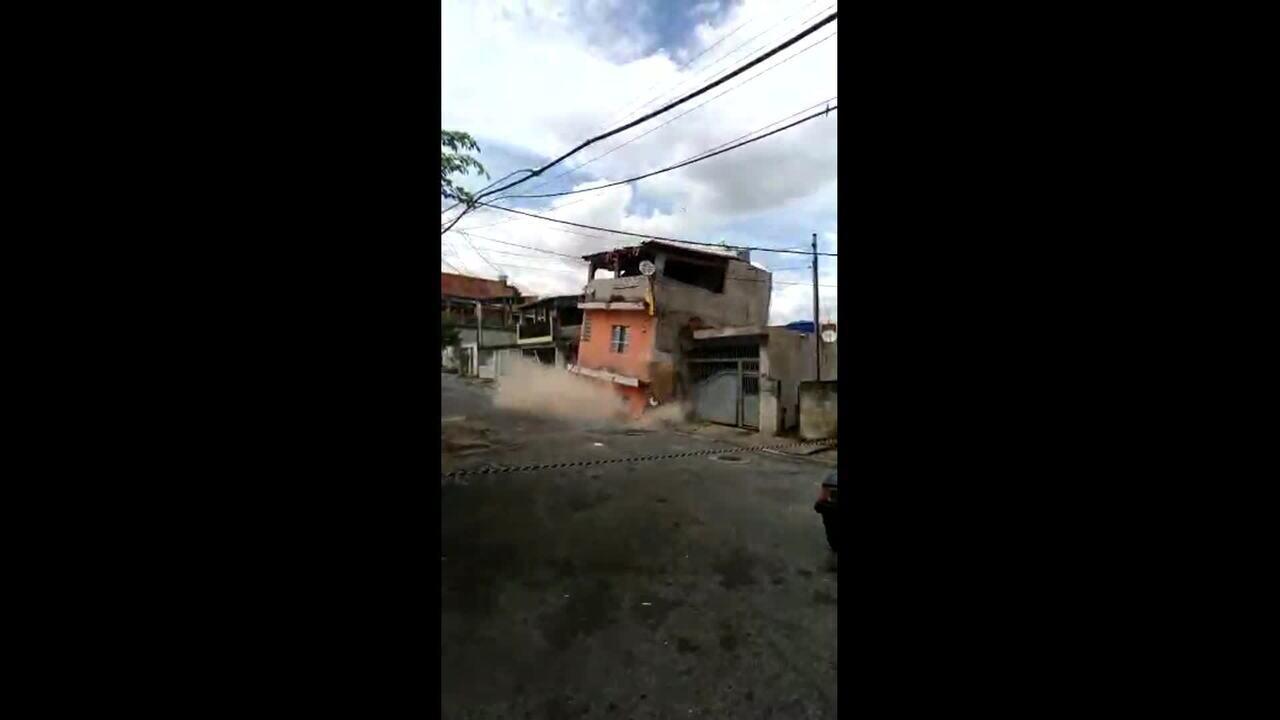 Vídeo mostra desabamento de sobrado em Osasco