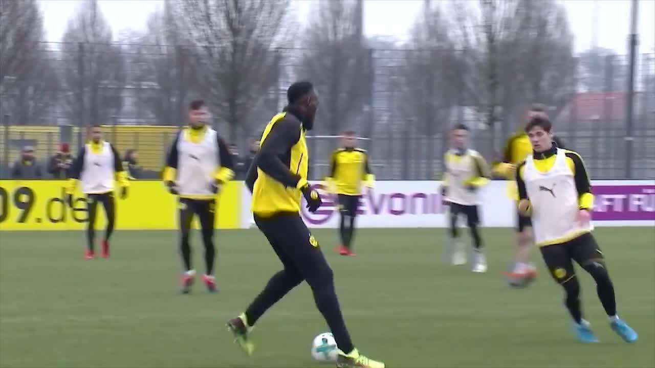 Confira a caneta e o gol de Usain Bolt no treino do Borussia Dortmund