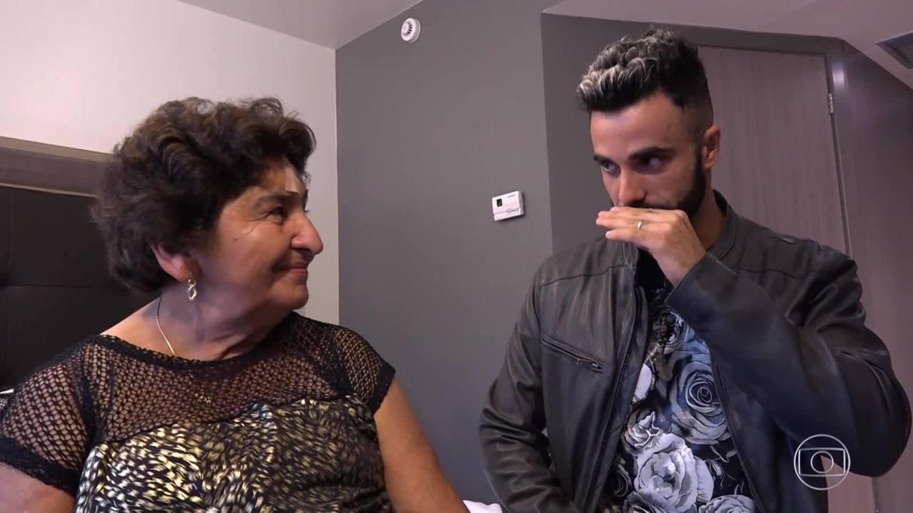 Confira a preparação de Marinete para se apresentar no palco do Caldeirão