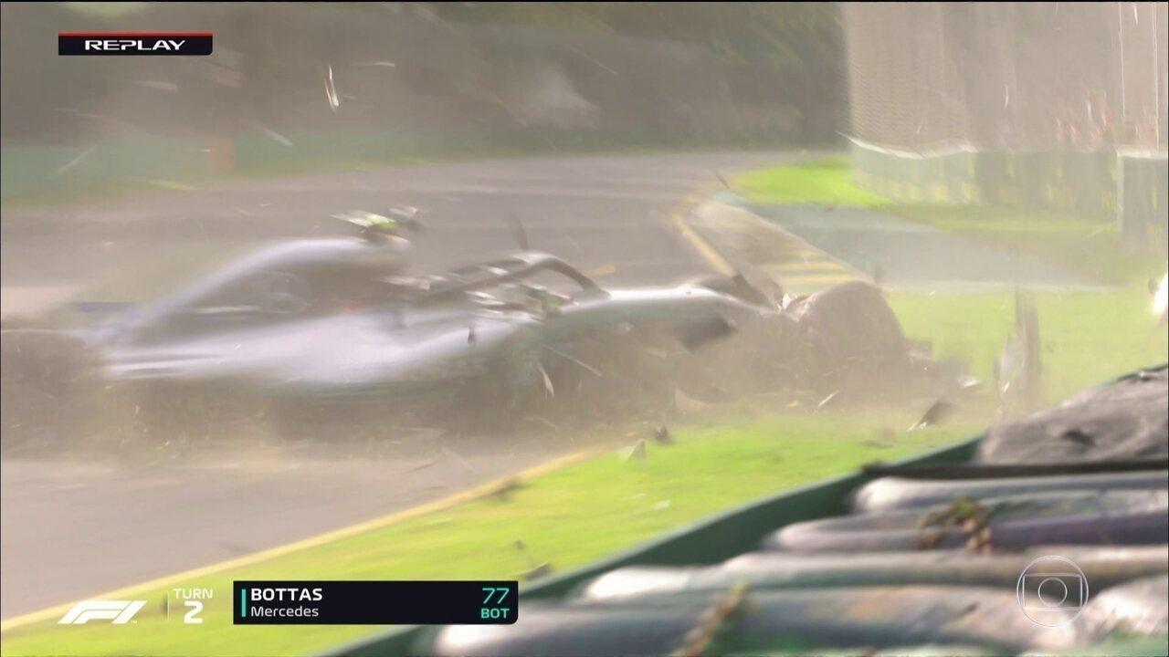 Bottas bate forte no muro durante o Q3 em Melbourne